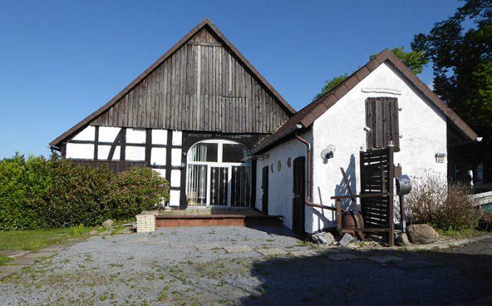 Eingang über die Terrasse in die Wohndeele