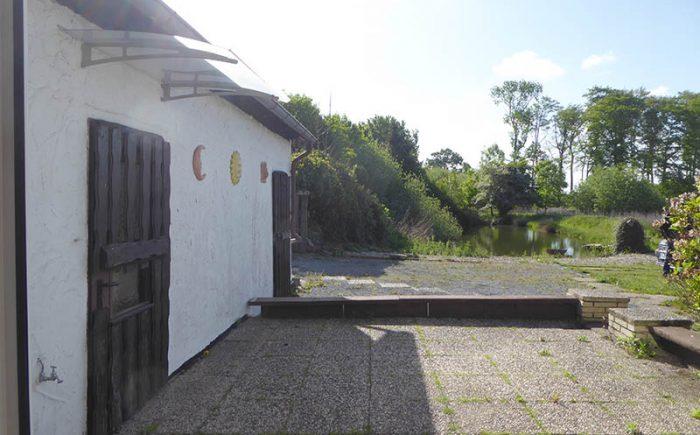 Terrasse und Eingangsbereich vor der Wohndeele