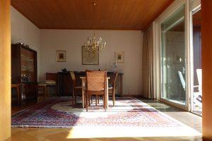 Das Esszimmer, vom Wohnzimmer gesehen